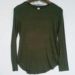 🍉NWT Old Navy luxe tee Sz M